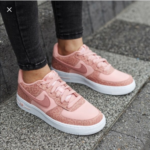 731902a3cb42 NWT Nike Air Force 1 LV8(GS) Coral Stardust Pink W
